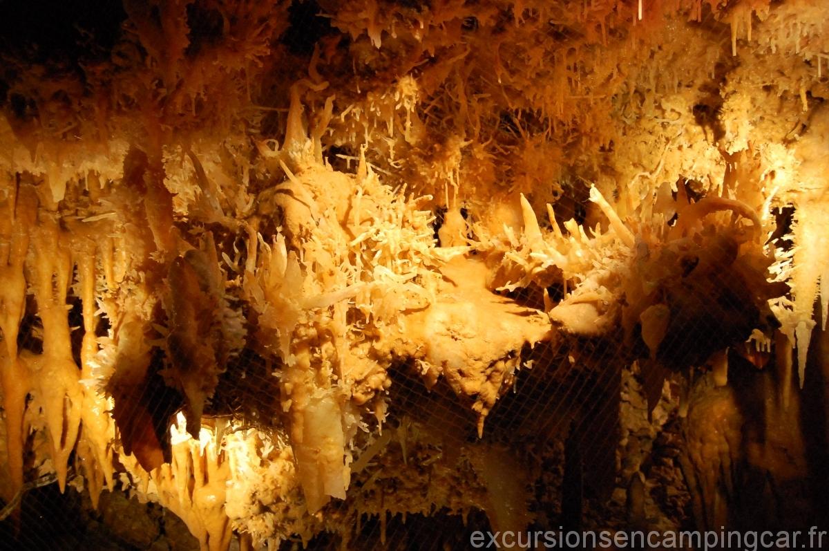 La grotte du Grand Roque