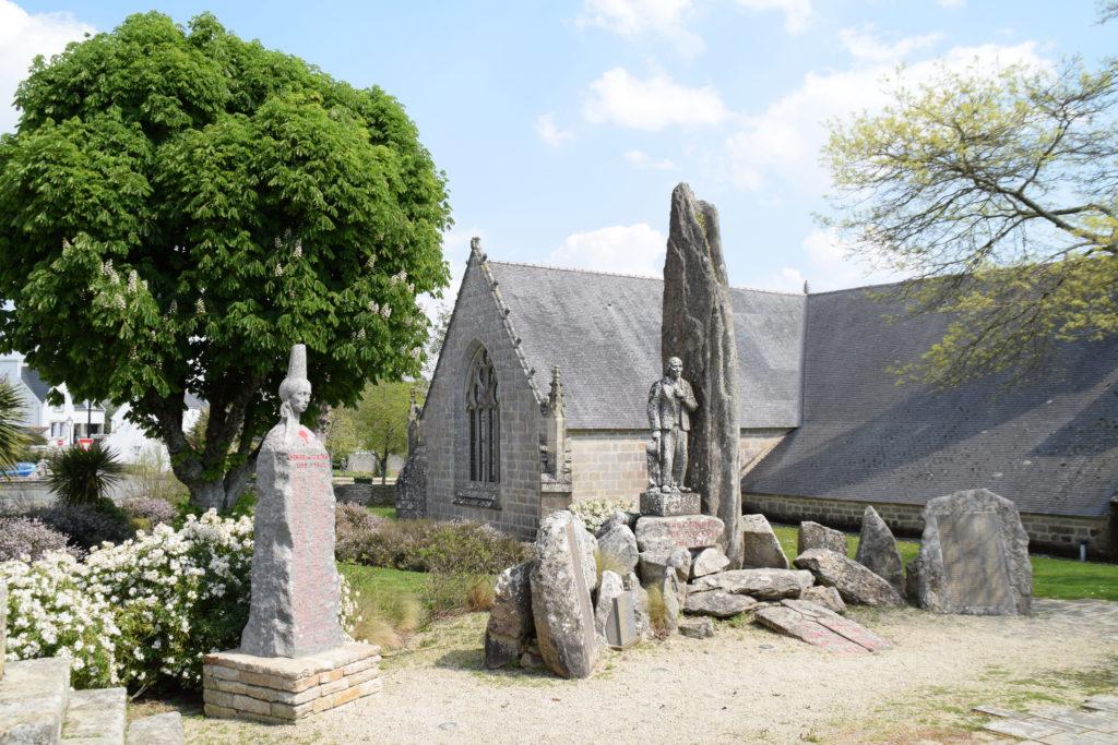 Le monument aux morts de Plozévet