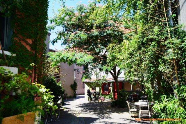 balade dans les ruelles et jardins de cet ancien village de pêcheurs