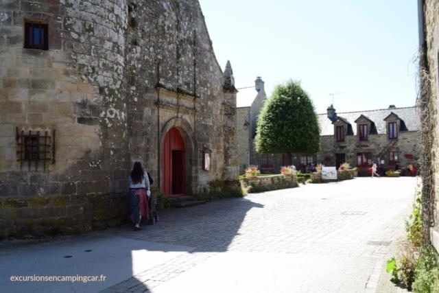 Promenade autours de l'église de Le Guerno